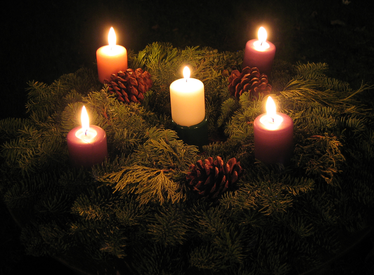 & Making Our Advent Wreath | The Anglican Mom